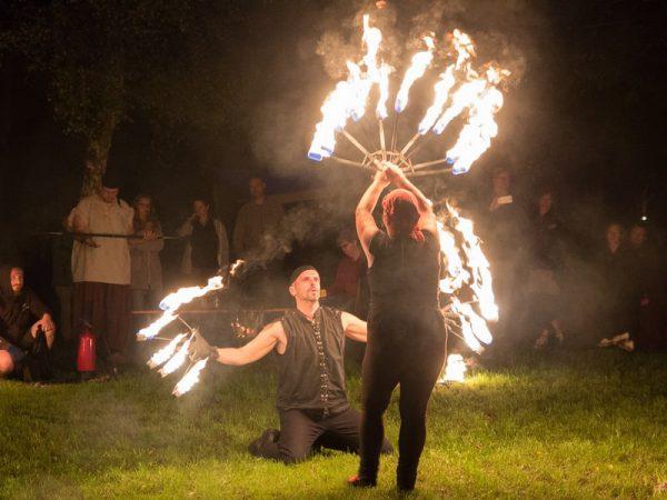 Freies Feuer - Das Spiel mit dem Feuer